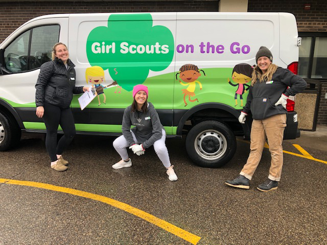 girl scouts on the go