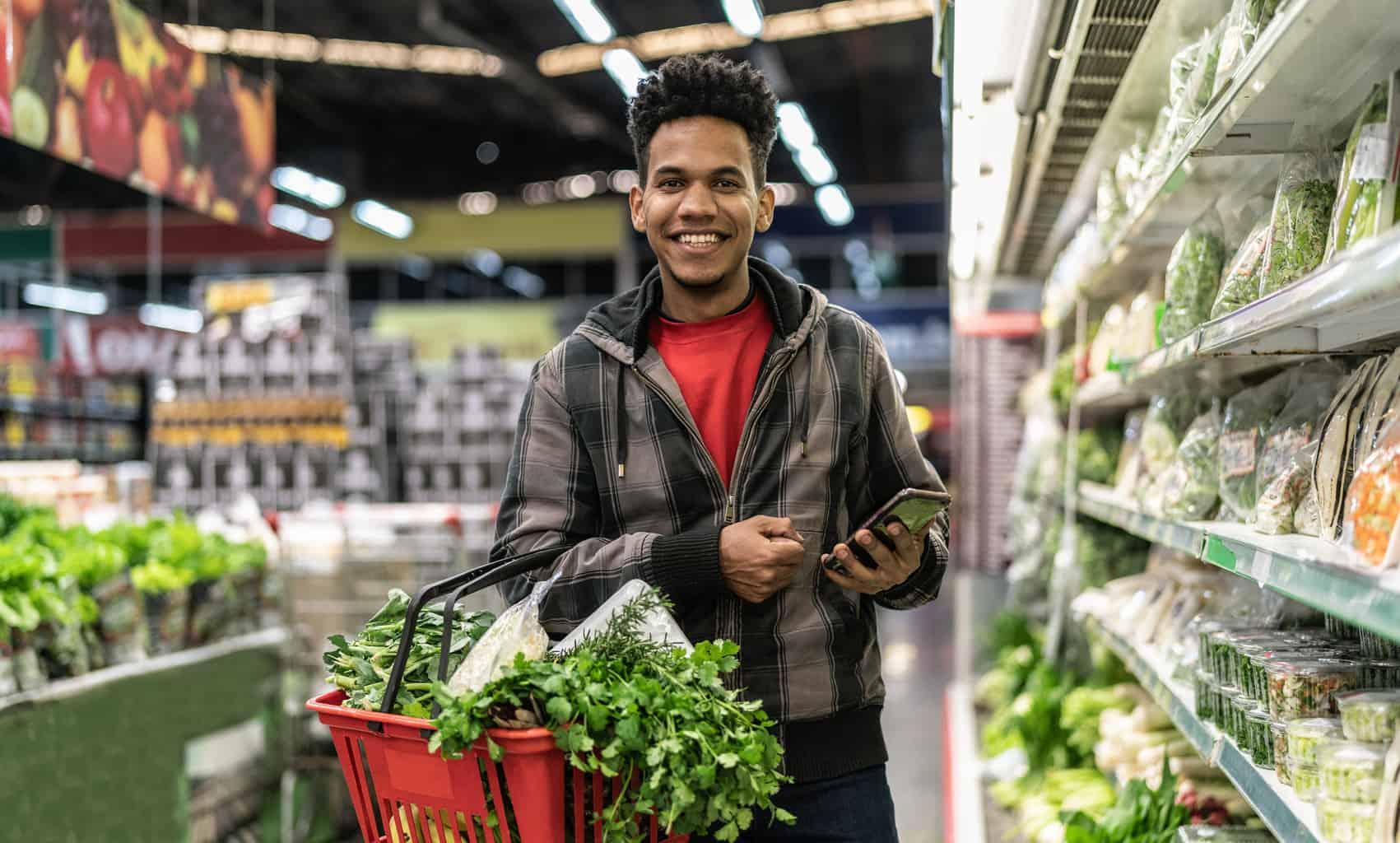 hispanic man in grocery store