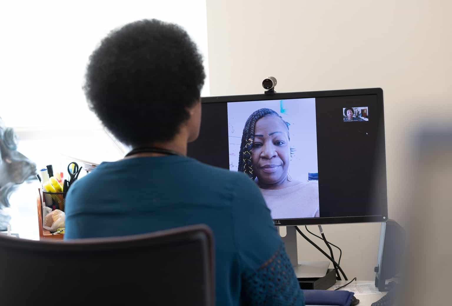 video visit doc patient computer